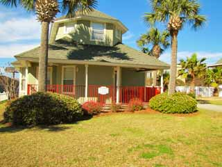 Aloha Cottage*4BR/2BA*Private Pool*Walk to the Beach!