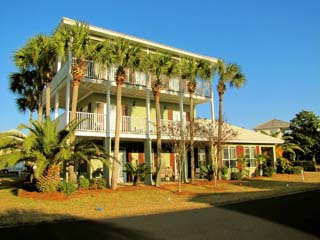 Caribbean Sun 4BR/3.5BA Sleeps 12 in Emerald Shores